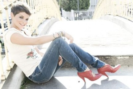 """Alessandra Amoroso: �¨ uscito il suo secondo album """"senza nuvole"""""""