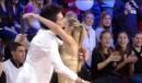L'abbraccio tra Luca Napolitano ed Alice Bellagamba, finalisti di Amici 8