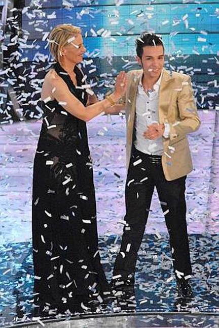 Marco Carta e Maria De Filippi a Sanremo