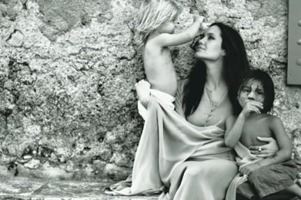 Angelina Jolie fotografata da Brad Pitt