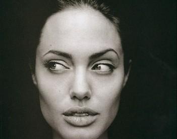 Angelina in bianco e nero