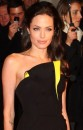 Angelina in splendido Armani
