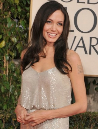 Angelina splendente ai Golden Globes
