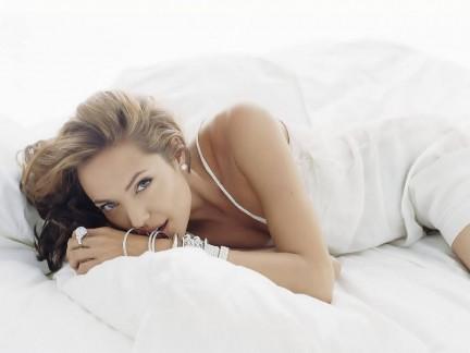 La più sexy è Karolina Kurkova, Angelina terza!