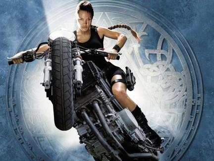 Galleria fotografica del film Tomb Raider, con Angelina Jolie