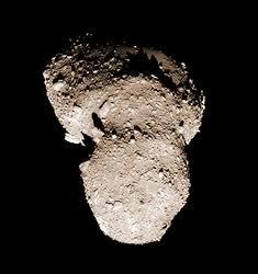 L'asteroide Itokawa ripreso dalla sonda Hayabusa nel 2005 da distanza ravvicinata
