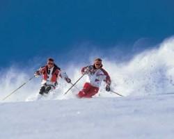 Sciatori sulle Dolomiti austriache