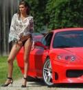 Ferrari e splendide ragazze