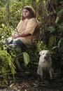 Hurley e Vincent trovano il van della Dharma Initiative