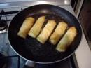 Alcune immagini che mostrano come piegare la pasta di riso