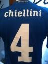 La maglia ufficiale preparata per il difensore