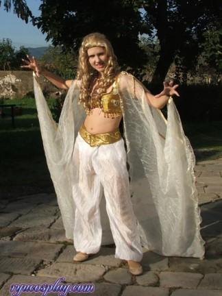 Ecco le foto del cosplay di Marishka da Van Helsing!
