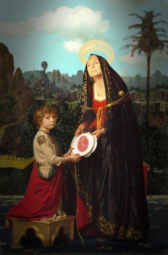 Titti Guizzi Vezzoli, madre di Francesco, come Madonna del Pinturicchio