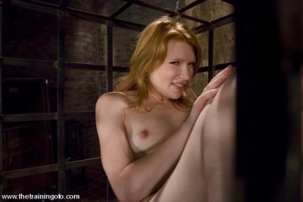 Madison Young in foto bondage