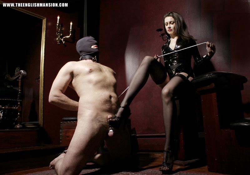 Порку раба плеткой смотреть