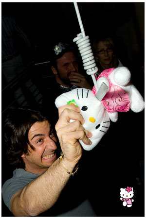 Odio Hello Kitty Night Studio 54 con radio 105