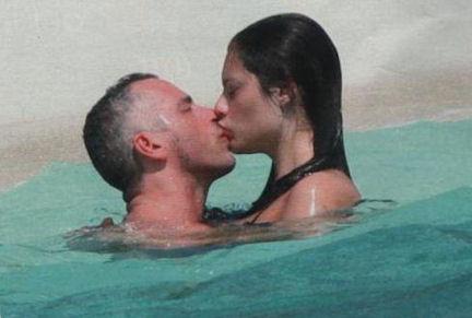 Eros Ramazzotti e Marica Pellegrinelli alle Maldive