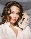 Angelina Jolie 15enne, ritratta da Harry Langdon
