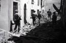 Agosto 1944. L'Ottava Armata britannica fa ingresso tra le macerie di Firenze