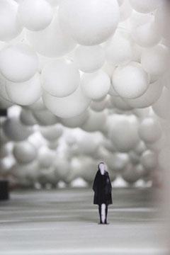 Eva Schlegel, Modell Ballons. MAK, 2010. © Eva Schlege