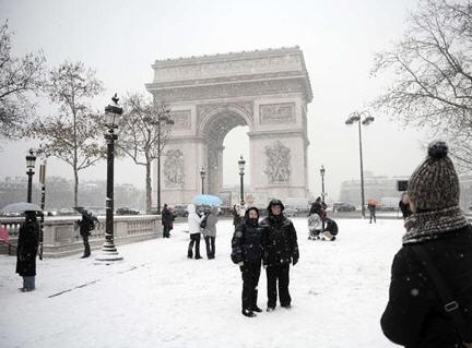 aereoporti francesi bloccati, Parigi sotto la neve,Roissy-Charles-De-Gaulle ,Direzione generale dell'aviazione civile francese