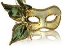 Il poter assumere un'identità diversa attraverso la maschera
