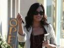 Demi Lovato, in ciabatte a LA!