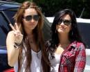 Miley Cyrus e Demi Lovato, amiche per la pelle!