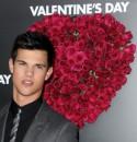 Taylor Lautner e Jessica Biel alla prima di Valentine's Day