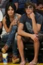 Vanessa Hudgens e Zac Efron ad un match NBA