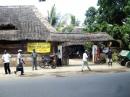 """Lamu road, fronte """"Stars e Garter"""""""