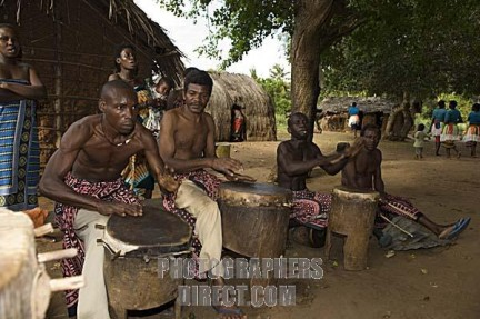 Watamu, festa Giriama: suonatori di tamburi