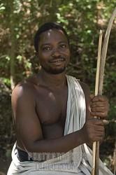 uomo Kamba con il suo arco