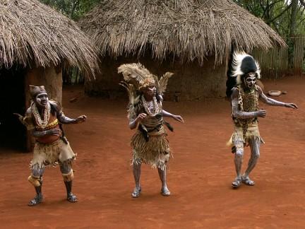 tradizionale danza Kikuyu: circoncisione