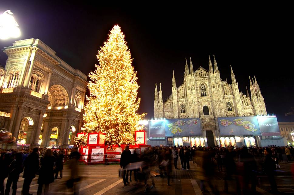 Immagini Di Natale Nel Mondo.Alberi Di Natale Nel Mondo 6 12