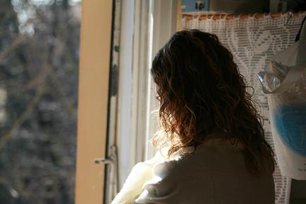 Tra la gente di dublino eveline - Ragazza alla finestra ...