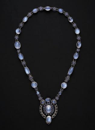 Louis Comfort Tiffany - Collana in platino e zaffiri del Montana con pendente - 1910 ca