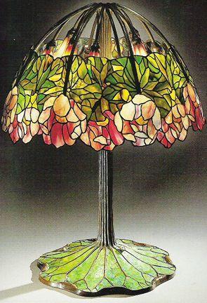 Louis Comfort Tiffany - Red Lotus_Lampada da tavolo