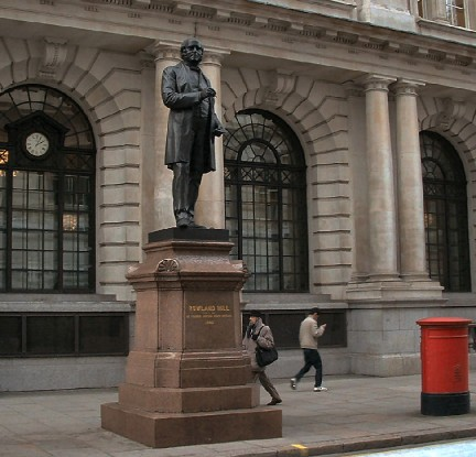 Rowland Hill statue - Knowledge from London