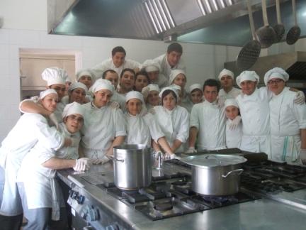 Ecco il gruppo di alunni del Viviani con Pasquale