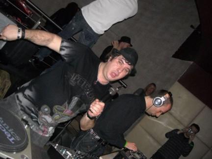 Sabato 6 febbraio Alex dj Global Byte from RIN Radio Italia Network è stato ospite del ((Vibe On)), il sabato notte House dello Studio 54 di Arcore. Queste sono le foto della serata, voce ufficiale e anima del ((Vibe On)): Joe Teq.