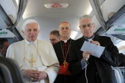 Il Papa in aereo con i giornalisti