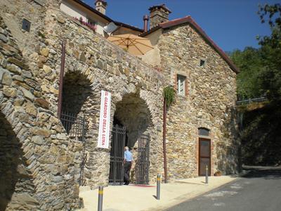 Castiglione del Terziere, Bagnone