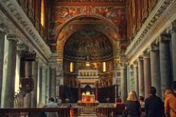"""Navata centrale Basilica Santa Maria in Trastevere"""
