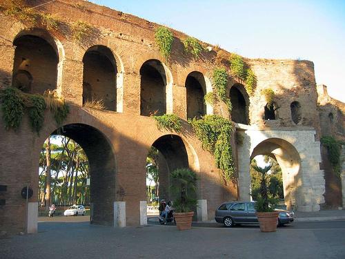 Gli archi di roma 2 11 for Archi arredo roma