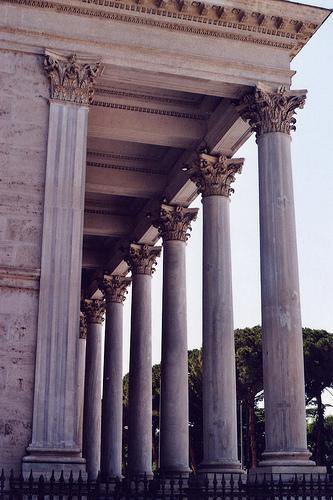 Colonnato esterno