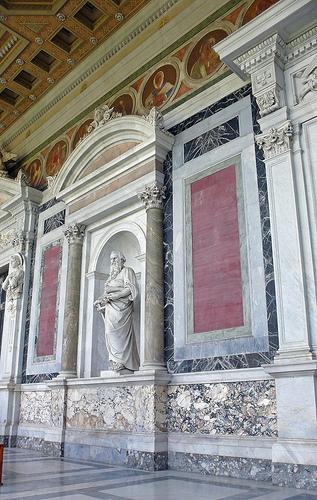 Un altro particolare dell'interno della Basilica