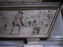 Rilievo su una tomba nella cappella Raimondi