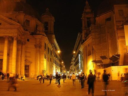 Via del Corso di notte
