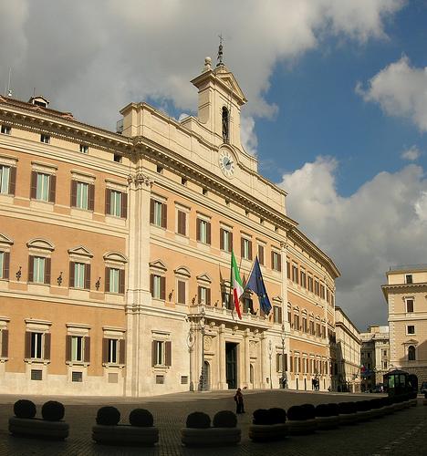 Palazzo montecitorio costruito su progetto del bernini 8 10 for Camera dei deputati palazzo montecitorio